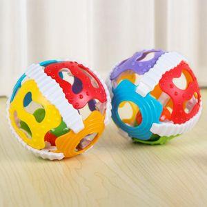 Güzel Bebek Yaratıcı Renkli Top Oyuncak Çıngıraklar Zeka Geliştirmek Plastik El Çan Çıngırak Doğum Günü Hediye Oyuncaklar