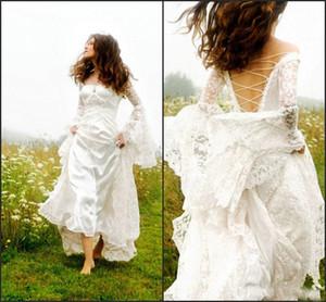 Moderne 2019 robes de mariée celtique gothique Bell Sleeve Lace Up Corset robe de mariée médiévale pour Garden Country