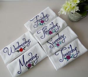 7pcs / lot novo produto no atacado segunda-feira a domingo semana da série têxteis bordados guardanapos placemats estilo caseiro guardanapos