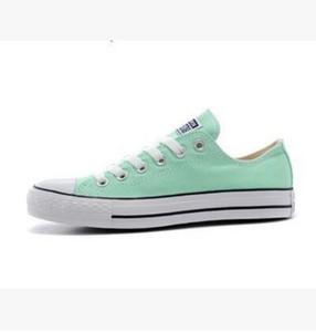 2018 yeni Fabrika promosyon fiyatı! Kanvas ayakkabılar kadınlar ve erkekler, yüksek Düşük Stil Klasik Kanvas Ayakkabılar Sneakers Kanvas Ayakkabı