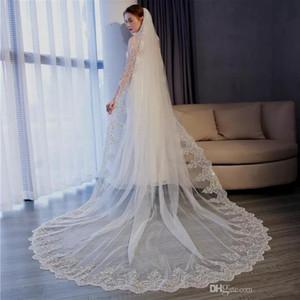 Berta 2020 Wedding Veils Marfim Catedral Branco Comprimento Designer longo nupcial Véus Lace Borda do casamento acessórios com Combs