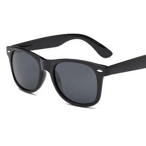 Heißer verkauf Mode Unisex Quadrat Vintage Polarisierte Sonnenbrille herren Polaroid Frauen klassische Nieten Metall Design Retro Sonnenbrille gafas oculos