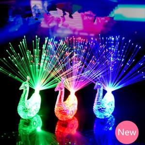 2018 Criativo Pavão LED Anel de Dedo Luzes Vigas Partido Discoteca Anéis de Fibra Óptica Lâmpada Crianças Fontes Do Partido Do Dia Das Bruxas # KG01