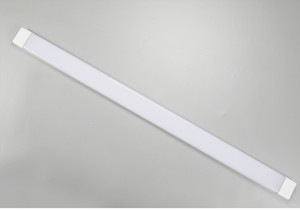 Tubo de listones LED montado en la superficie Antivaho a prueba de polvo Ultra delgado Lámpara de techo alargada 4 pies 54W SMD2835 purificación AC85-265V