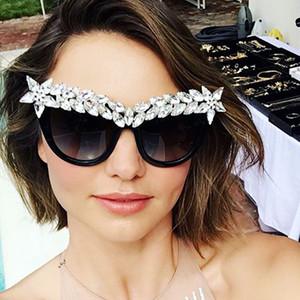 Sunglasse de lujo de gran tamaño Mujeres para gafas de sol Gafas de sol con montura hueca vintage Gafas de espejo de oro Gafas de sol de gran tamaño para mujer Deporte