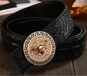 Heißer Verkauf neue Mens Mens schwarz Gürtel echtes Leder Business Gürtel reine Farbe Gürtel Schlange Muster Schnalle Gürtel für Geschenk B3