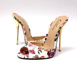 Принимать личное пользовательского американского стандартного размера обуви металла с негабаритной сандалией и тапочками