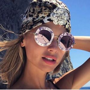 Moda serin Yuvarlak Güneş Gözlüğü İngilizce Harfler Küçük Arı Güneş Gözlükleri Erkekler Kadınlar Marka Gözlük Tasarımcısı Moda Erkek Kadın