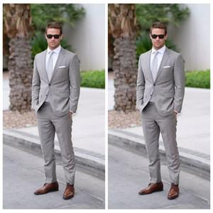 2018 Resmi Açık Gri Düğün Erkekler Slim Fit Damat Smokin Erkekler İki Adet Groomsmen Takım Elbise Ucuz Resmi İş Ceketler + Pantolon + Kravat