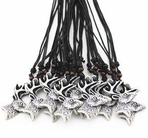 Joyería Al Por Mayor 12 UNIDS / LOTE 12 unids Yak Bone Tallado Lucky Reno de Navidad Colgante Collar de Cabeza de Ciervo para hombres mujeres regalo para niños MN525