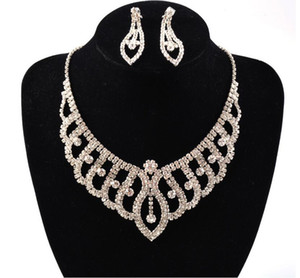 Einfache neue Hochzeit Schmuck Wassertropfen Kristall Collarbone Kette Halskette Set Brautschmuck Perlen Luxus Armbänder Halskette Ohrringe LD019