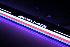 Lumière acrylique de voie de porte de pédale de porte de plat de garniture de voiture de pédale de mouvement acrylique pour Mercedes Benz AMG GLC X205 2015 - 2016