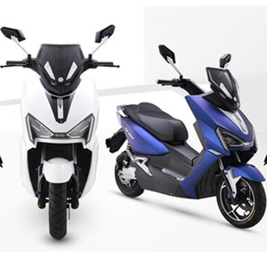 2018 Hot 72 V Eectric Scooter Bosch Motore Bluetooth Music Disco Break Batteria WERCS Certificato Scooter Elettrico Maxxis tubless Tire