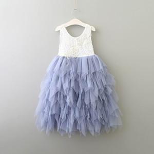 Großhandel Sommer-neue Mädchen-Spitze-Kleid-Prinzessin Blume abgestuftes Tulle Mittler-Kalb Sommerkleid für Hochzeitsfest Kinder Kleidung 2-8Y E17103