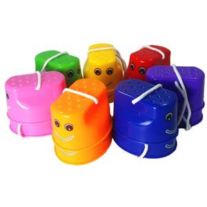 새로운 패션 1 짝 어린이 야외 플라스틱 균형 훈련 미소 얼굴 점프 죽마 신발 워커 장난감 재미 스포츠 장난감 선물