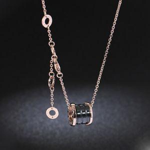2019 mujeres de lujo de diseño de joyería con números romanos collares colgantes de cerámica de la caja de regalo cadena de color oro acero hombre de acero colgante de oro rosa
