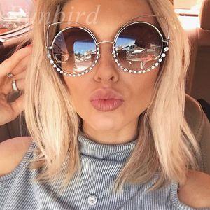 RunBird Diamond Luxury Cat Eye Sunglasses Mujeres Diseñador de moda más reciente Espejos de revestimiento Gafas de Sol de Metal Feminino UV400 354R D18101302