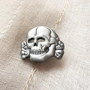 İğneler Insignia Cap iğneler İkinci Dünya Savaşı Almanya Ordusu Yaka Pin Badge Broş Çapraz 50pcs 3D Antik Gümüş Renk Dünya Savaşı Kafatası Kemik