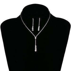 Gümüş Gelin Küpe Kolye Seti Gelin Takı Ucuz Sıcak Satış Kutsal Beyaz Rhinestone Kristal Parti Balo Kokteyl Parti Stokta