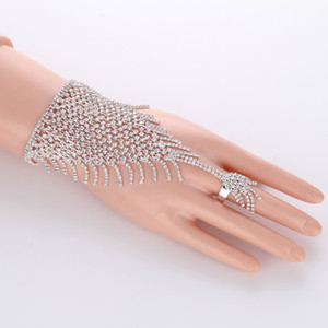 Slave Silver Hand Crystal Chain Ring Bridal Bracelet Bangle Rhinestone Hand Decoration Wedding Cuff Attached Ring Set Gold