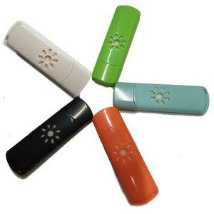Mini ordinateur de bureau à domicile USB Aroma Diffuser Car Parfum SPA Aromathérapie Purificateur d'air Désodorisant Humidificateur avec compte-gouttes