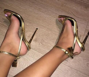 Gold Silber Leder High Heels Gladiator Sandalen Knöchelriemen Vorhängeschloss Frauen Pumps Offene spitze Metall Heels Damen Schuhe