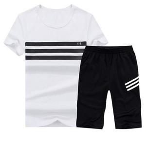 Juego de verano 2018 Hombres Causal Trajes de playa Pantalones cortos de manga corta 2PCS Traje de baño + Pantalones Moda Chándal Hombre Sportsuits camiseta + pantalones cortos