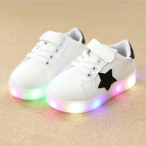 Дети с легкими мальчишками для девочек Светодиодные туфли для детей Светящиеся спортивные кроссовки для мальчиков