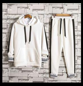 Sweatsuit Männer Pullover mit Kapuze Hoodies lange Hosen Sweatpants Trainingsanzüge Mann getäfelten Design Sweatshirts Hosen 2 Stück Sets Herren Kleidung