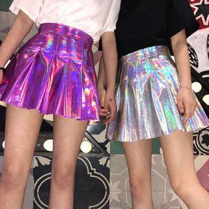 Harajuku de style japonais de la nouvelle conception des femmes taille haute sexy plissé laser dégradé couleur shinny jupe courte plus la taille S M L