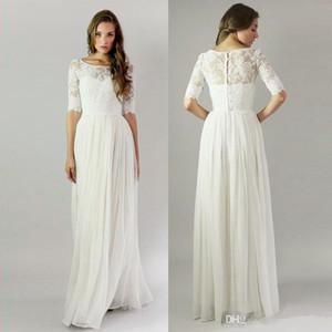 2018 Bohemian Elegant White Chiffon Guaina Abiti da damigella Mezze maniche Applicazioni in pizzo Bottoni ricoperti Boho Wedding Party Guest Gowns