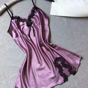 2019 Summer Simulation Pyjamas en Soie Sexy Lady Condole V-cou Spun Silk Sportswear Pijama Sans Manches Femmes Vêtements de Nuit