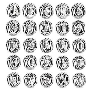 شحن مجاني موك 26 قطع فضية الأبجدية كارتا A-Z سحر الخرزة صالح باندورا إلكتروني سحر سوار diy w الأصلي u z c t التعطري diy n012