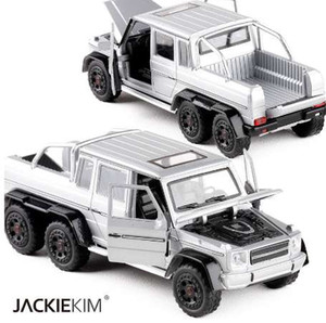 New Diecast Metal Car Toy 1:32 G63 Pickup Truck Pull Back Alloy Car Flashing Musice Auto Model Car For Boy Gifts Collection