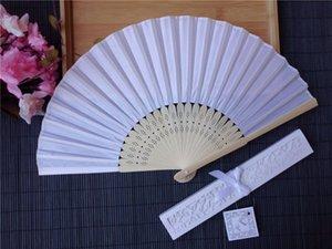 100 stücke Personalisierte Hochzeit Gefälligkeiten und Geschenken für Gast Silk Fan Tuch Hochzeitsdekoration Handfalten Fans + Druck