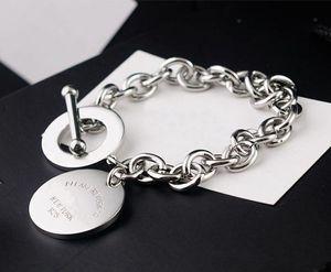 Großhandel Top-Qualität Titan Stahl Liebe Armband NEWYORK Marke Runde OT Marke Karabinerverschluss Armband für Frauen Pulseira Feminina Masculina