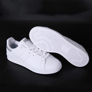 Barato mens originais stan smith sapatos das mulheres de qualidade superior de couro sapatos de lazer prata branco perfeito jogo mocassins com caixa tamanhoUS5-10