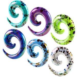 Hipérbole 2-12 MM Espiral Camilla de oreja Expansor Punto Negro Multicolor Acrílico Tapones para los oídos Túnel de carne Estiramiento Joyería Caracol