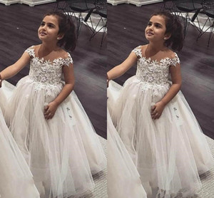 Ball Gown Flower Girls Dresses Cap Sleeves Lace Puffy Tulle Princess Children Wedding Dresses Infant Toddler Birthday Party Dresses M50