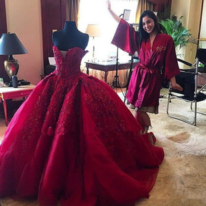 Red Burgundy Corset Lace-up Gothic Wedding Dresses 2019 Vintage Michael Cinco Lace Top Quality Beaded Sweetheart Puffy Church Wedding Gown