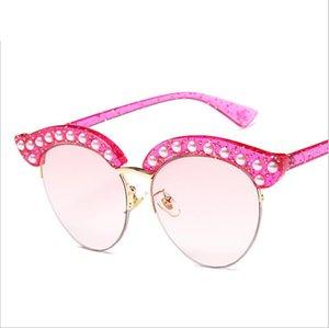 Modische Luxus Designer-Sonnenbrillen mit Charme Frau modischen Stil runde Linse Katzenauge Diamant halb Rand Frames Glas Sun Glasses