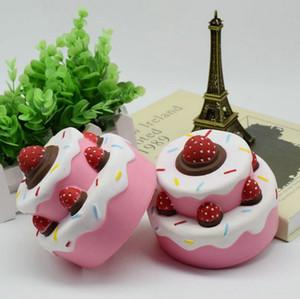 Ins Hot Three Layers di Strawberry Cake Jumbo Squishy Ciondolo lento in aumento Cinghie per cellulare Charms Queeze Kid Toys Cute Squishies Bread