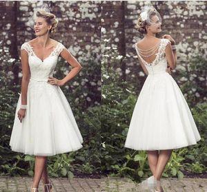 2018 Vestidos de novia elegantes hasta el té Vestidos de novia con cuello en V Apliques de encaje Tul Vestido de fiesta Vestidos de novia cortos