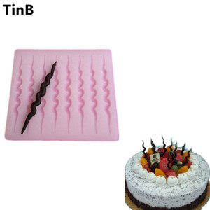 Hot DIY 3D Creative Silicone Chocolate Mold Bakeware Birthday Cake Cookie Decorating Tools Chocolate Mould Stencil Muffin Pan