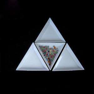 Herramientas de uñas de plástico blanco de Triángulo Ronda de Clasificación bandejas Point Diamond Nail Art Disco Cuentas pedrería de cristal Herramientas de cuadro de almacenamiento