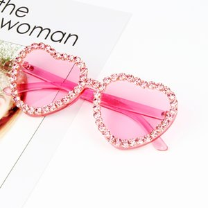 Heart Sunglasses for Ladies 2018 Hot Fashion Candy Pink Occhiali da sole strass Steampunk Goggles Alloy + Resin Small