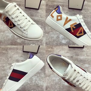 2018 spring and summer Genuine leather small white shoes,classic embroidery casual flats shoes white black two colors new designer original
