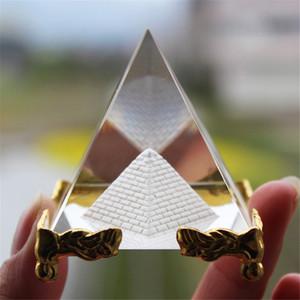Guérison par l'énergie Transparent Pyramide En Verre De Cristal Avec Support D'or Feng shui Egypte Égyptien figurines miniatures ornements