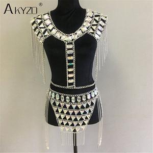 AKYZO Pazzo cristallo sequin donna 2 pezzi imposta divertente Festival abiti patchwork in metallo catena nappa Crop Top set da donna