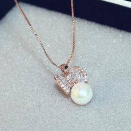 Super beau collier de perles pour les femmes de la mode Zircon Bow Pendentif Neckalce collier plaqué or rose Collier ras du cou haute joaillerie